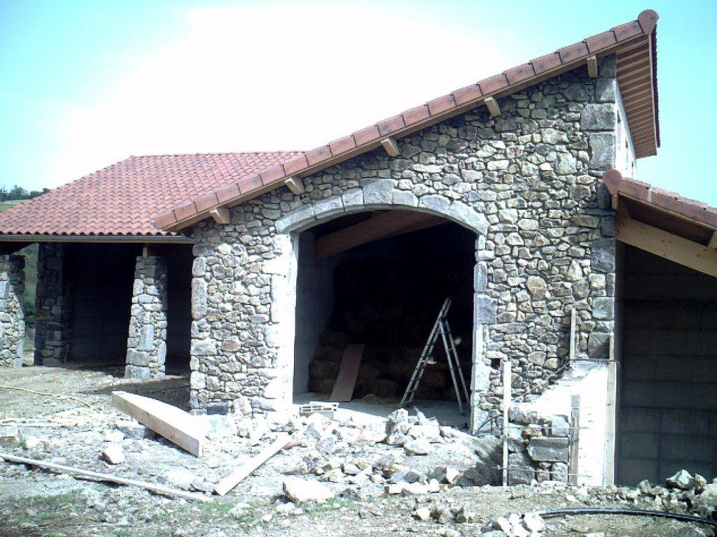 Piliers et voute en pierre. CRIM0012-1024x768